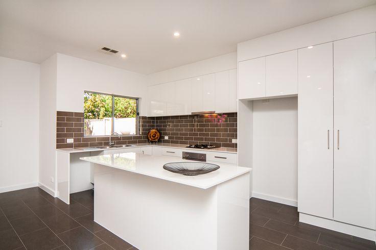 Property development / Modern kitchen on a budget / Laminate / Essa Stone