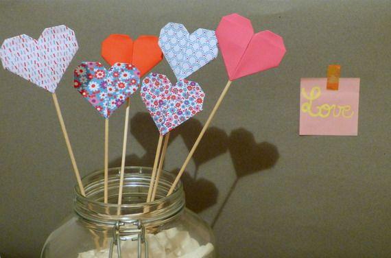 Coeurs en origami, 6 grands piques, saint-valentin,gouter anniversaire ...