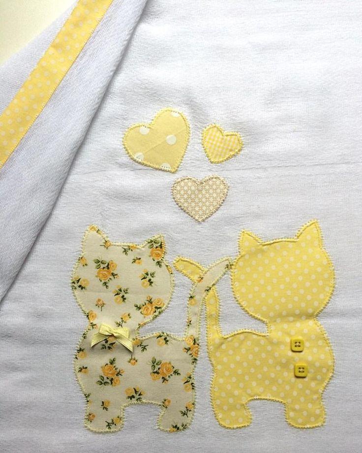 Fralda de aproximadamente 0,70x050cm, cremer, 100% algodão. Pode ser produzida em diferentes cores, estampas e motivos, à escolha do cliente. *CONSULTE A DISPONIBILIDADE DE COR E ESTAMPA*