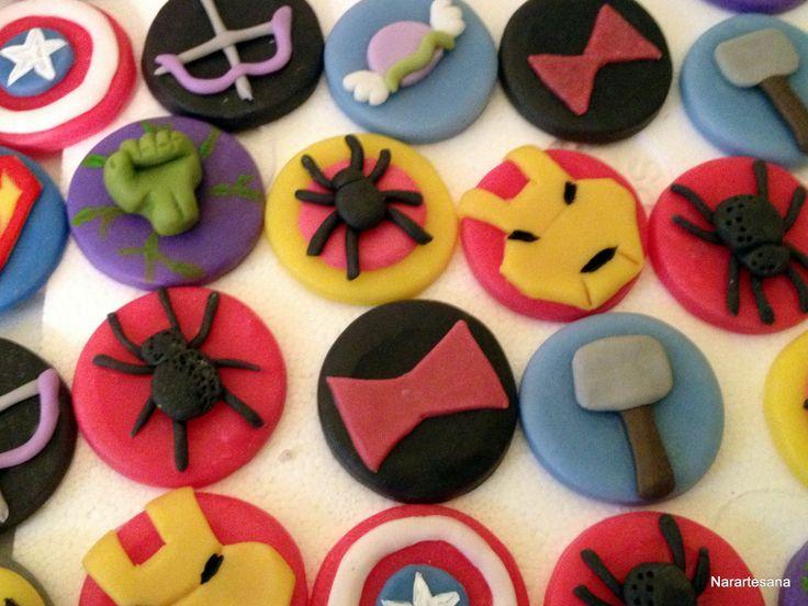 Los Vengadores - Souvenirs realizados en Porcelana Fría.  The Avengers - Souvenirs made of Cold Porcelain