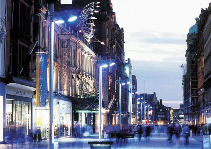 Photo: 24 hours Glasgow: discover the most welcoming Scotland. Buchanan Street!