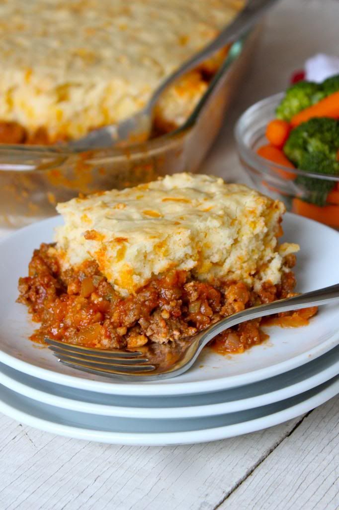 Sloppy Joe Casserole | Take your favorite sloppy Joe recipe, and give it a warm, biscuit crust. No better way to end a blustery day @thebakermama