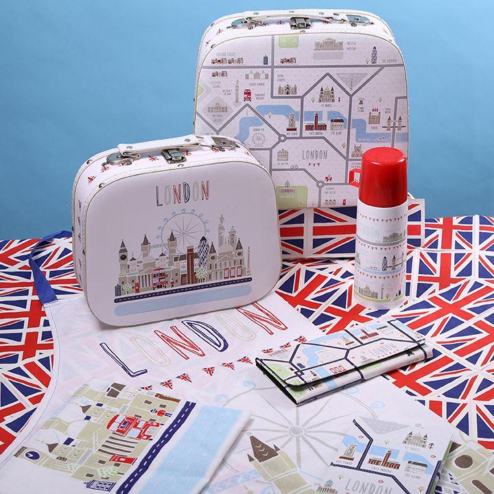 Praktické doplňky do domácnosti s motivem Londýna.  #doplnky #dekorace #kufříky #zástěry #peněženky #London #giftware #accessories