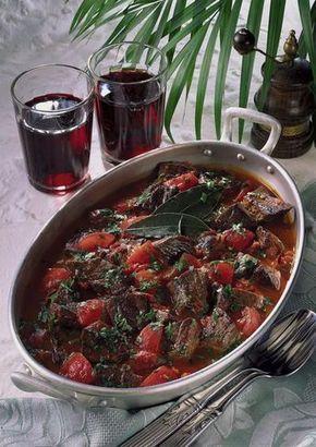 Unser beliebtes Rezept für Rindfleisch in Tomaten-Soße und mehr als 55.000 weitere kostenlose Rezepte auf LECKER.de.