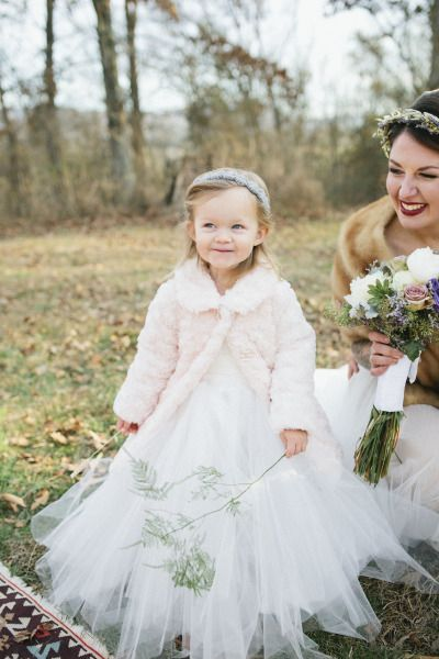 So cute: http://www.stylemepretty.com/georgia-weddings/2015/05/08/rustic-cabin-winter-wedding/ | Photography: Amanda Lenhardt - http://www.amandalenhardt.com/