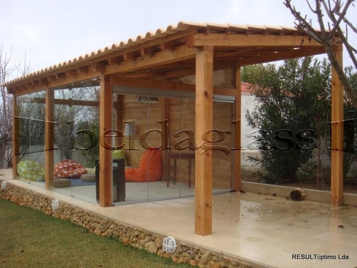 Cerramiento de porche de madera con acristalado de - Cerramientos de piedra ...