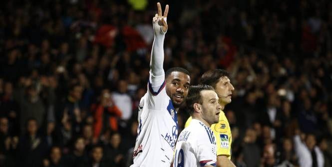 Auteur d'un triplé face à Saint-Étienne (3-0) ce dimanche soir, Alexandre Lacazette, l'attaquant de Lyon, savourait pleinement sa performance.