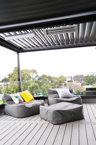 Rooftop outdoor heaters with HEATSTRIP Max