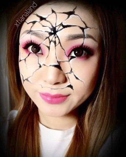 "Would be great technique for Emilie Autumn ""Painted Doll"" make-up form Devil's Carnival - DLGH #Cracked #Broken #Halloween #Makeup"