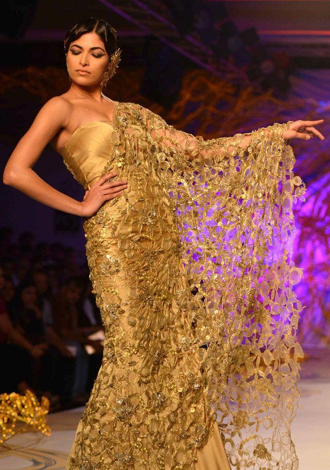 Gaurav Gupta http://www.gauravguptastudio.com/ Collection @ PCJ Delhi #Couture Week, 2013 | India Today |