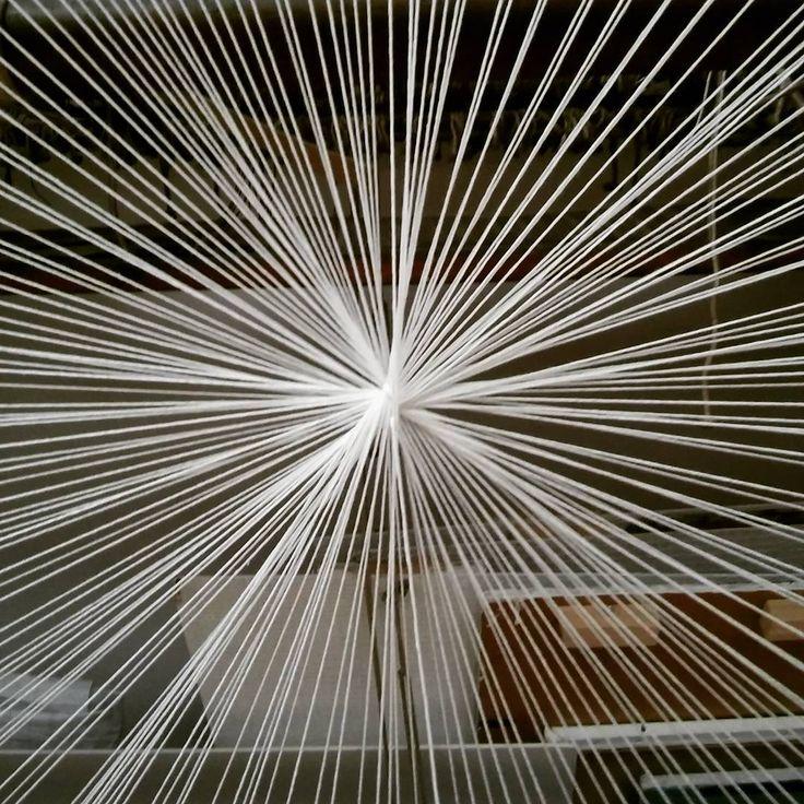 """Polubienia: 12, komentarze: 1 – Grypa Tworcza Flu (@grypatworczaflu) na Instagramie: """"#circleweaving #circle #weaving #spiderweb #sundayatschool #asplodz #FLUgrypatworcza"""""""