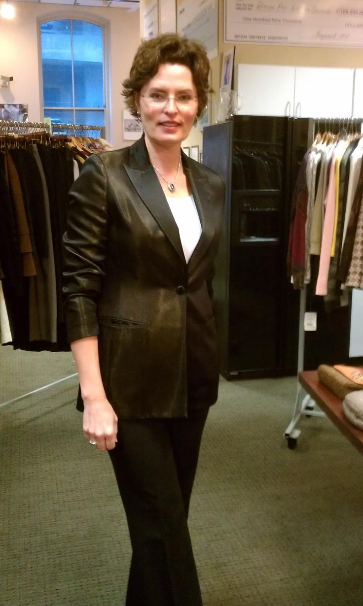 Lisa looks fabulous in this Oscar de la Renta.  All at the Designer Sale Sept 27-29.