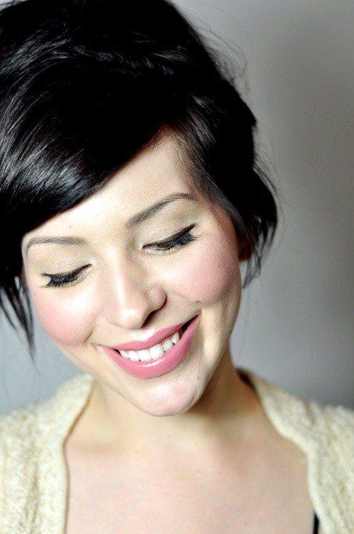 pale makeup skin beauty hair light tips blush pink dark ever pretty brown eyeliner face fair rose natural vie pail