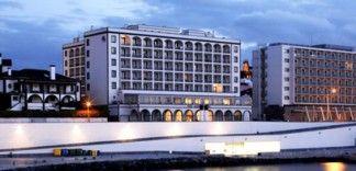 Conheça os hotéis Bensaude com vista para o Oceano, ou sobre a cidade e baía de Ponta Delgada, na Ilha de São Miguel ;)   http://www.bensaude.pt/  80 anos a oferecer o melhor dos Açores.  #bensaudehotels #inspiredbyazores