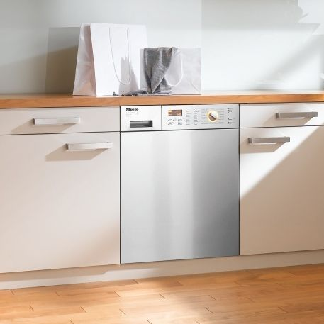 http://www.manufacturedhomepartsinfo.com/onepiecewasherdryercombounits.php has some factors to look out for when looking for a new washer dryer combo unit for the home.