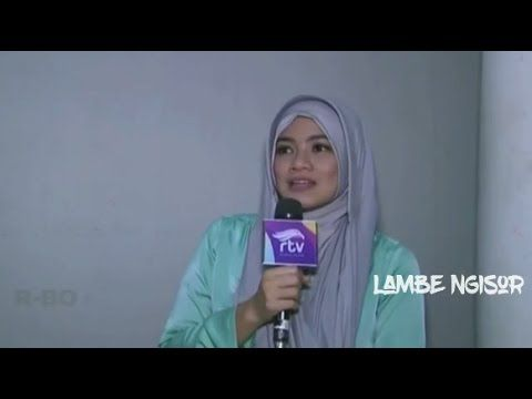 Tampil Anggun Berhijab, Masya Allah Titi Kamal Bikin Pangling