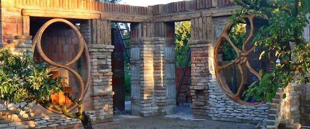 Organikus álomlak – Földházat épített magának egy építész Balatonbogláron   Életszépítők