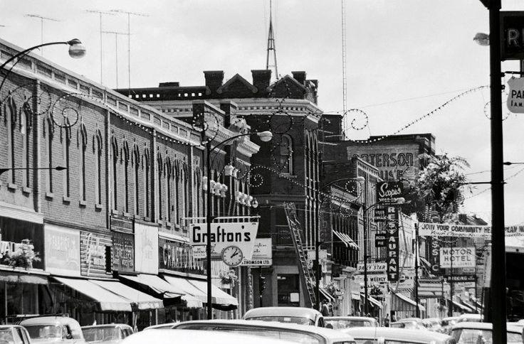 Downtown Owen Sound, Ontario - 2nd Ave. E. looking toward 9th St. E.