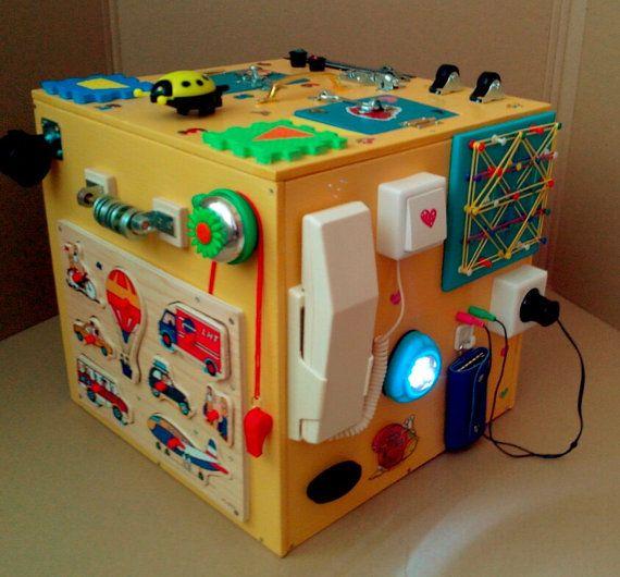GÉANT panneau occupé, environ 30 éléments, Montessori jouet éducatif, jouet en bois, planche, planche sensoriel, jouets d'enfant en bas âge, jouet mauve du loquet