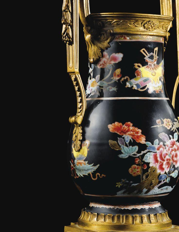Rare paire de vases en porcelaine de Chine de la Famille Rose,dynastie Qing, époque Qianlong (1736-1795), àmonture de bronze doré d'époque Louis XVI | Lot | Sotheby's