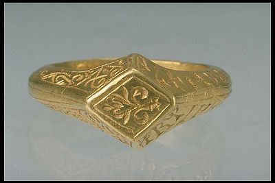 1200's later part to 1300's beginning, Gold ring with runes from Viby, Närke Inventory number 17961, Statens Historiska Museet Ulf Bruxe SHM 1995-02-03