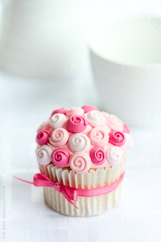 Rose cupcake by Ruth Black