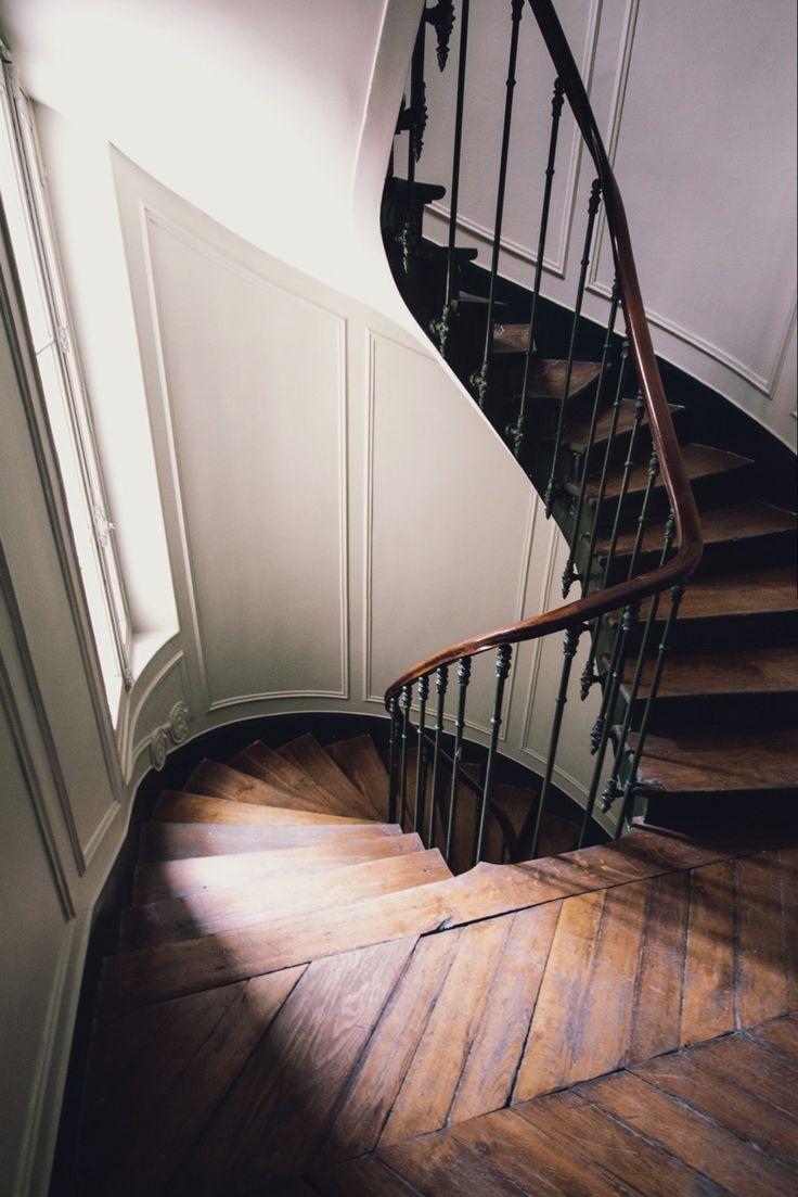 The Spiral Step Using A New Tarot Deck: Parisian Staircase, By Alistair Wheeler