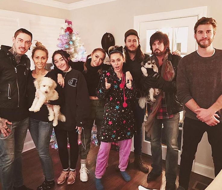 "<p>All together now! Aussie hunk Liam Hemsworth celebrated Christmas stateside ahead of the holiday with the Cyrus clan. Liam posed in front of the tree with Billy Ray, Tish, Brandi, Trace, Braison, Noah, and of course, Miley Cyrus. ""Cyrus fam Christmas in full swing,"" Brandi captioned the family snapshot. (Photo: <a rel=""nofollow"" href=""https://www.instagram.com/p/BOQ6XrKgn_g/"">Instagram</a>) </p>"