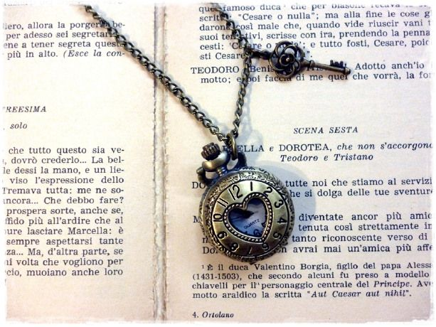 """Collana orologio vintage style """"Cuore"""" by VIAVAI Move your style on Blomming"""