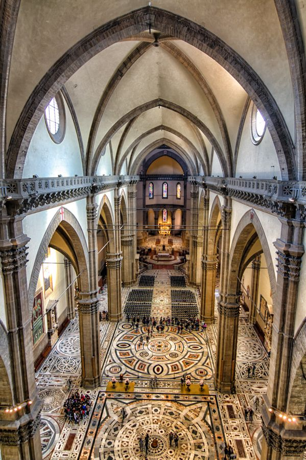 Tour the Duomo {beautiful architectural scenery}
