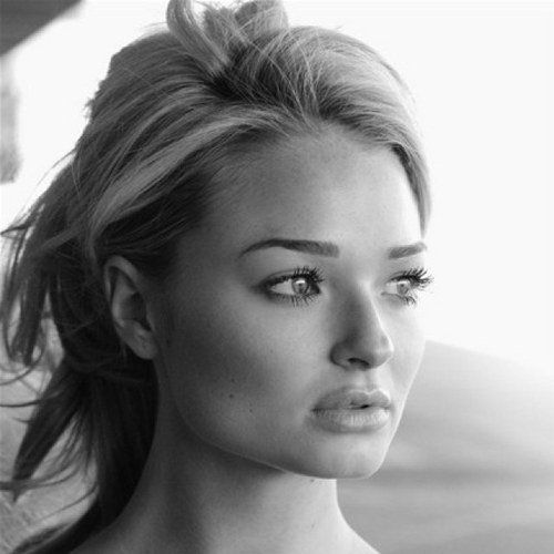If genies were real, I'd wish to look like her! Emma Rigby. Red Queen....Once Upon a Time in Wonderland.