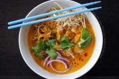 Khao Soi – Spicy Thai Curry Chicken Noodle Soup