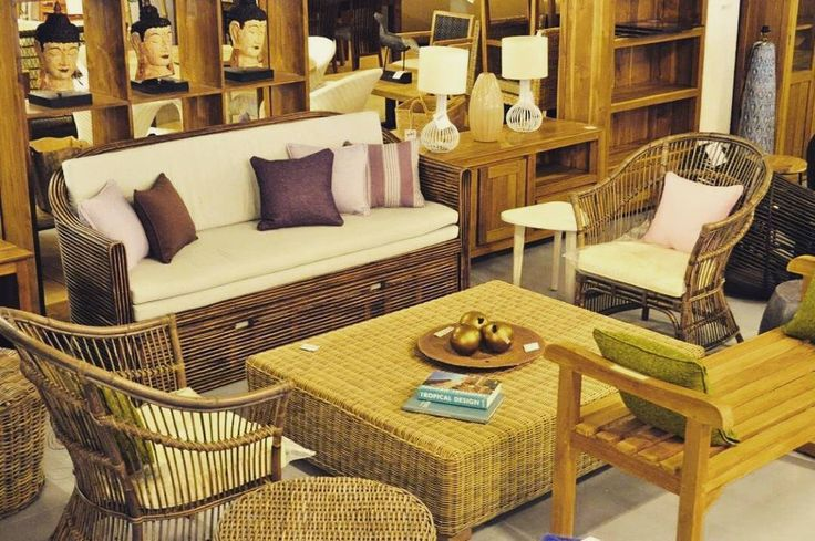 Decorate your living space with natural rattan coffee table that blend perfectly with any kind of seating furniture.  #bali #balifurniture #customfurniture #design #furniture #furniturebali #furnituredesign #furniturejepara #furnituremaker #instadaily #instagood #interior #interiordesign #jeparafurniture #picoftheday #rattan #rattanfurniture #tagforlikes #wicker #wickerfurniture #yunibali #coffeetable #livingroom