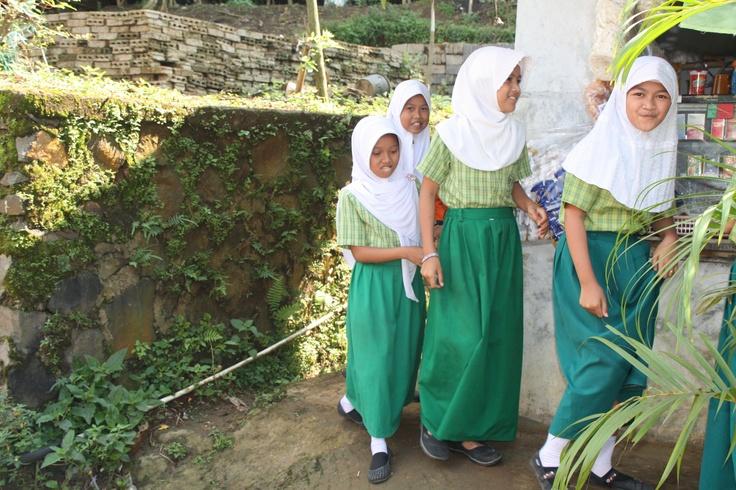 Bogor local school students - a trip to bogor