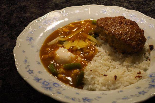 Japanse curry met hamburger steak recept - www.etenbijsindy.nl