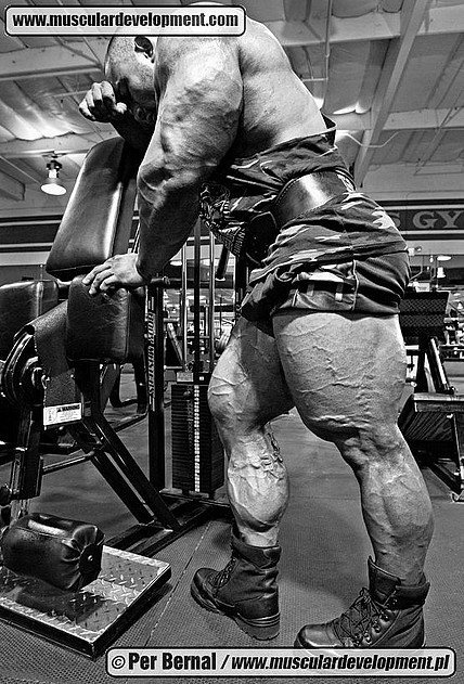 Jason Huh's quads are bigger than your house.