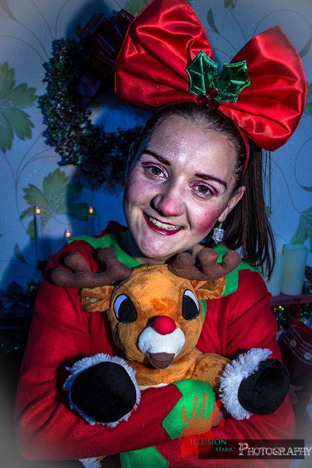 Kirsty Waddell as Penelope Snowflake.
