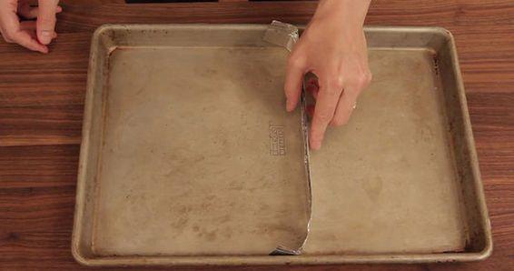 Turning a baking sheet into a square tart pan