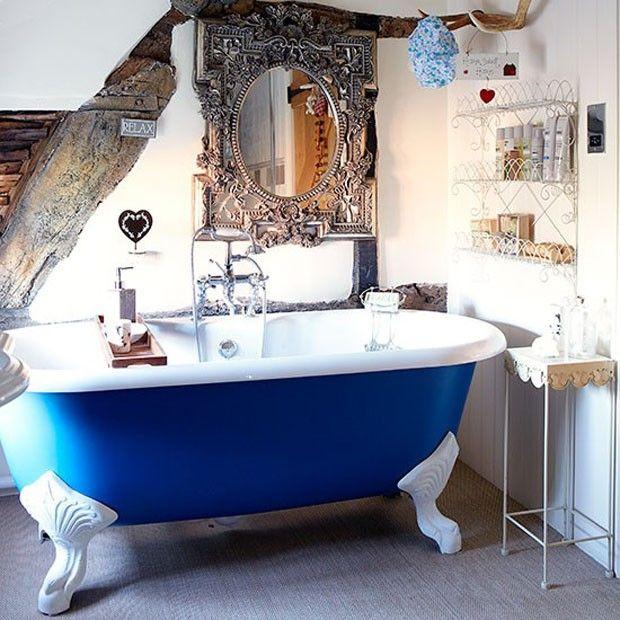 Casa inglesa tem banheiro romântico