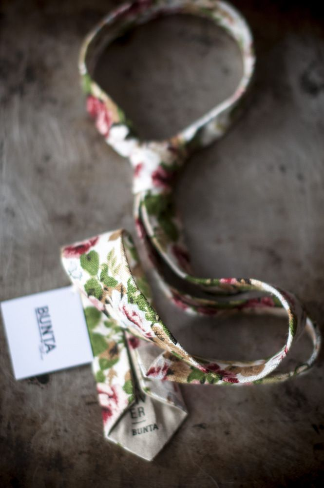 Bunta Thanksgiver floral tie  55% linen, 45% cotton.  Photo: Nat Rusinowska #tie #floral #menswear