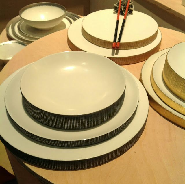 Luxuriant porcelain dinnerware by Daniel Levy
