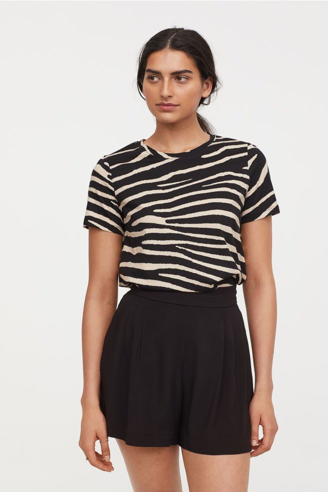 fc7a81a0a34851 H&M T-shirt - Black in 2019 | Fashion inspiration | Women's fashion ...