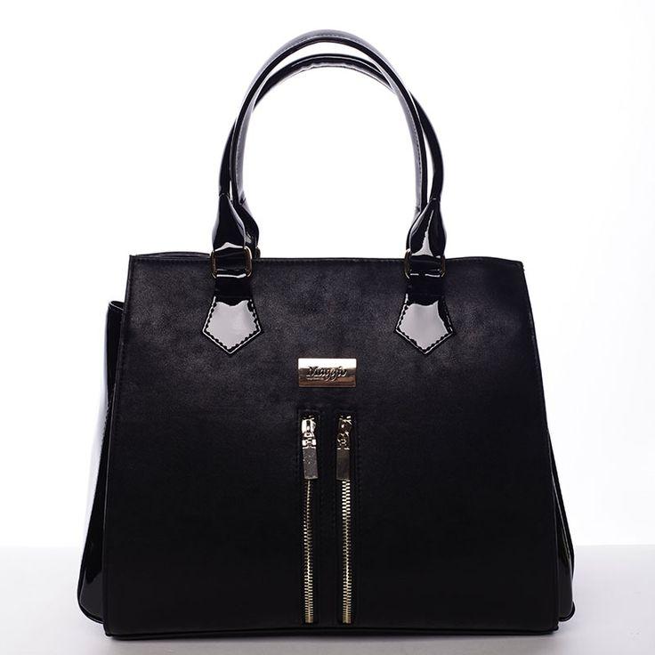 Luxusní černá dámská kabelka.