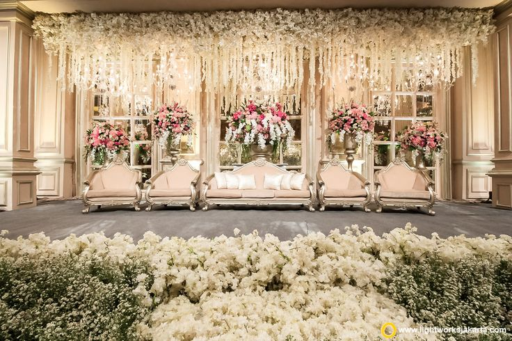 Edward and Santy wedding reception | Venue at Hotel Mulia | Decoration by Lotus Design | Lighting by Lightworks