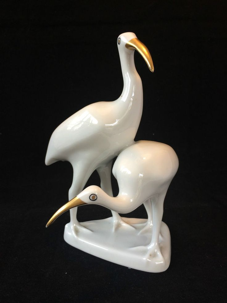 antique porcelain. Pair of hollohaza birds. Marked  #hollohaza #hollohaza
