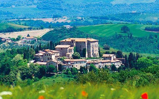 Castello di Sismano  #todi #sismano #umbria http://www.italytraveller.com/it/z/castello-di-sismano