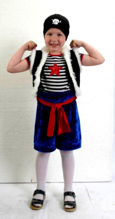 Самый наилучший костюмчик разбойника на новый год для малыша прост: