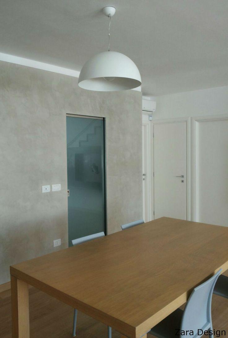 White #Barcellona in the modern dining room of our clients ***** Sospensione Barcellona colore bianco nella sala da pranzo dei nostri clienti