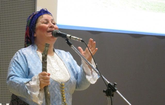 e-Pontos.gr: Ποντιακή θεατρική παράσταση στους «Κομνηνούς» στη ...
