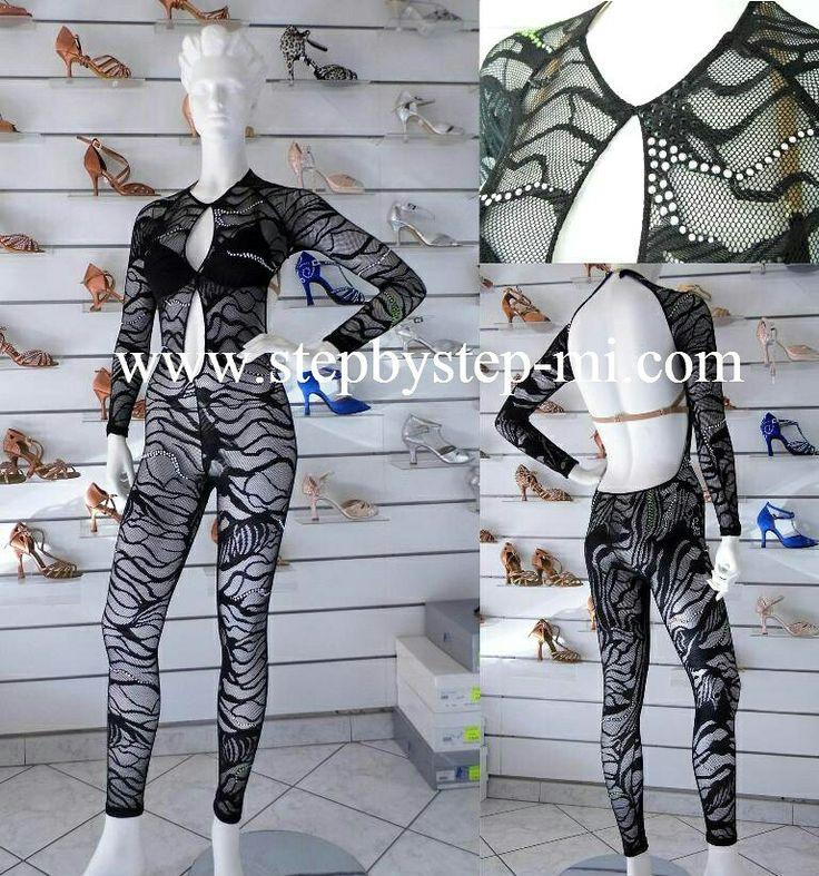 Tuta in pizzo elasticizzato nero  #stepbystep  #ballo #scarpedaballo #danceshoes  #cute #design #fashion #shopping #shoppingonline #glamour #glam #picoftheday #shoe #rhinestones #style  #instagood #beautiful  #cute  #instagood #handmade  #madeinitaly  #latindress #salsadress #salsa #bachata #abitodaballo #dancewear #tuta #pizzo